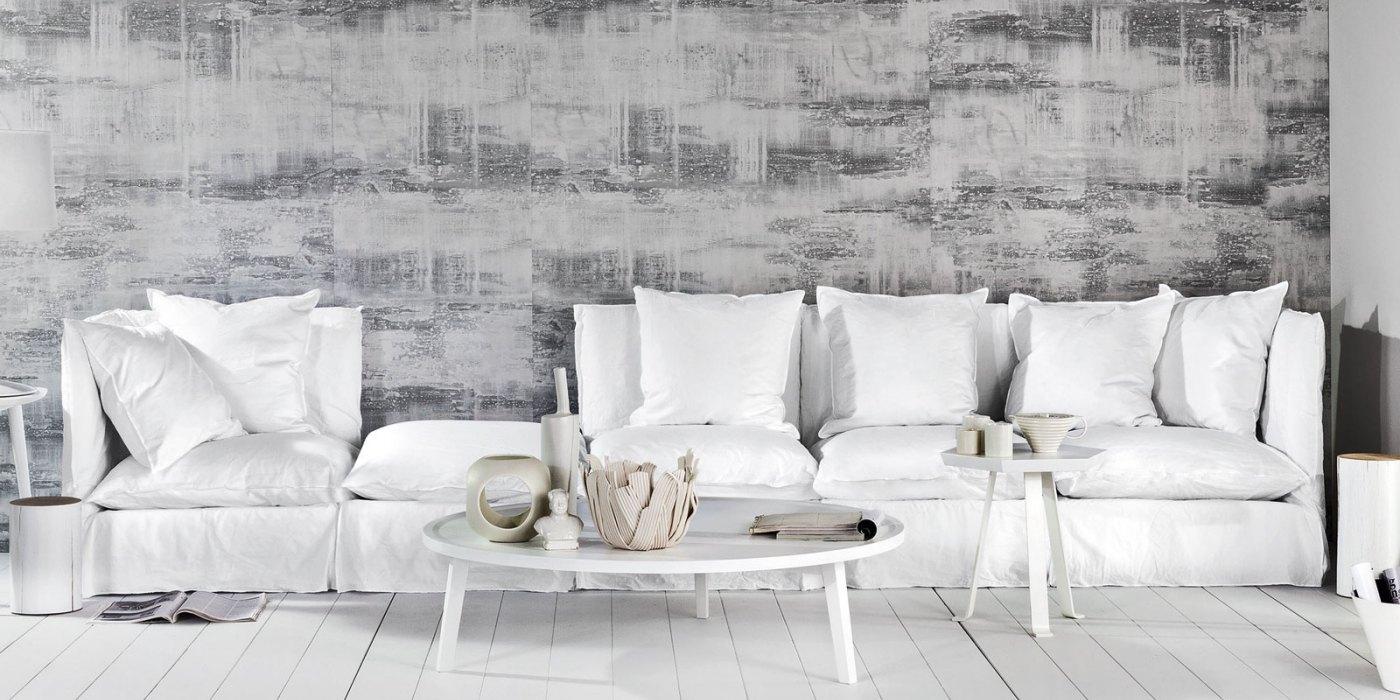 divano e tavolino da salotto